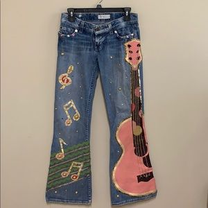 BKE awesome guitar painted jeans. Size 26